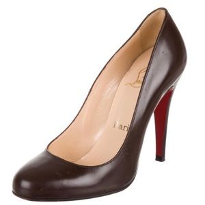 Christian Louboutin Leather round toe pumps S. 36